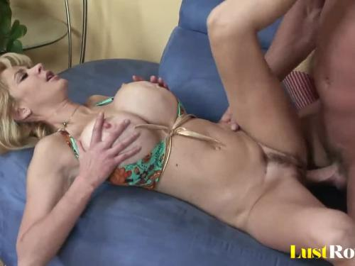 Thirsty mother tara moon makes her man ejaculate